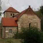 Romanische Dorfkirche St. Andreas in Burgsdorf von Osten (c) Hans-Dieter Rammelt