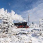 Ein Zug der Harzer Schmalspurbahnen in der Brockenspirale unmittelbar vor Erreichen des Gipfels (c) Klaus-Henning Damm