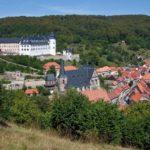 Blick von Westen mit Schloß, Stadtkirche St. Martin und Saigerturm (c) Rodemann-Schütze